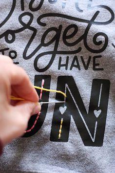 DIY Heat Transfer + Embroidered Sweatshirt - The Pretty Life Girls Diy Pullover, Diy Sweatshirt, Sweatshirt Makeover, Halloween Sweatshirt, Vinyl Crafts, Vinyl Projects, Sewing Projects, Craft Projects, Armband Diy