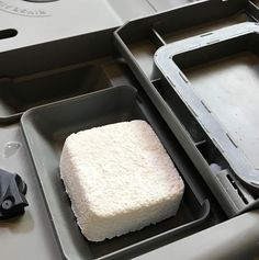 easy-to-make homemade natural dishwasher detergent tabs and they REALLY WORK! Cleans stuck-on food, gets silverware shiny, & glasses sparkling! DIY essential oil recipe for dishwasher detergent tabs. Dishwasher Tabs, Dishwasher Detergent, Laundry Detergent, Essential Oils Cleaning, Natural Cleaning Products, 4 Ingredients, Oil Recipe, Cleaning Hacks, Cleaning Supplies