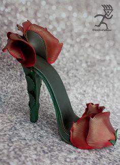 Sugarpaste Red Rose Stiletto - Cake by Ciccio