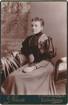 Victorian Photo / Original Print / Signed: J. Glass / Date of Creation: 1890 ? / Photo Type: Cabinet Photo / Color: Black & White / Region of Origin: Londonderry ( Londaindoire) - Tuaisceart Éireann