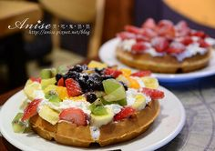 ice cream waffles with fruit :D