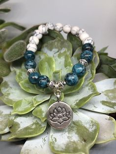 Lotus Halbedelstein Armband   Etsy Lotus, Stone Bracelet, Stone Beads, Jasper, Etsy, Beaded Bracelets, Charmed, Vintage, Jewelry