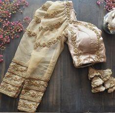 Full Sleeves Blouse Designs, Cutwork Blouse Designs, Fancy Blouse Designs, Bridal Blouse Designs, Designs For Dresses, Netted Blouse Designs, Latest Saree Blouse Designs, Blouse Patterns, Sleeve Designs