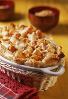 Make one of these easy butternut squash recipes for dinner tonight. Whether you're looking for pizza, pasta, a salad, or something else, you'll find a delicious option here. Low Sugar Recipes, No Sugar Foods, Dairy Free Recipes, Slow Cooker Recipes, Meat Recipes, Mexican Food Recipes, Butternut Squash Mac And Cheese, School Lunch Recipes, Game Day Food