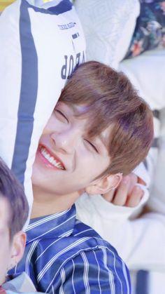 🌹🌺 Omg my heart. Jisoo Seventeen, Seventeen Lee Seokmin, Joshua Seventeen, Seventeen Debut, Woozi, Jeonghan, Hip Hop, Hong Jisoo, Joshua Hong