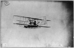 Wilbur Wright in flight from Governor's Island