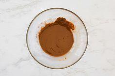 Chocolate-Covered Raisins Recipe Vegan Gluten Free, Vegan Vegetarian, Chocolate Covered Raisins, Raisin Recipes, Classic Candy, How To Make Chocolate, Dried Fruit, Baking Sheet, Tableware
