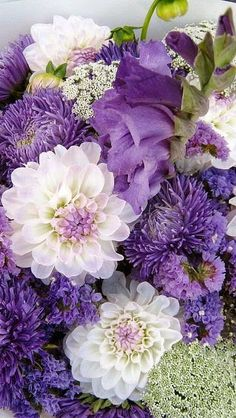 Dahlia and sweet pea bouquet Exotic Flowers, Amazing Flowers, Purple Flowers, Beautiful Flowers, Yellow Roses, Pink Roses, Purple Dahlia, Lavender Flowers, White Roses