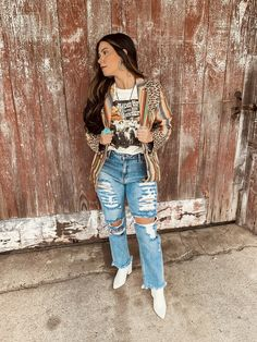 Cute Country Outfits, Cute N Country, Western Outfits, Distressed Jeans, Mom Jeans, Graphic Tees, Hipster, Fashion Outfits, Blazer