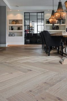 Nobel Flooring - Groot formaat visgraatmotief met traditionele bies - Hoog ■ E. Home Living Room, Living Room Decor, Dining Room, Kitchen Dining, Bedroom Decor, Small Bathroom Paint Colors, 70s Decor, Home Decor, My New Room