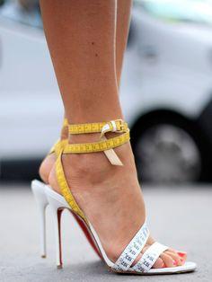 Le mètre chaussure. Amazing #shoes #accesories #fashion #complementos #zapatos