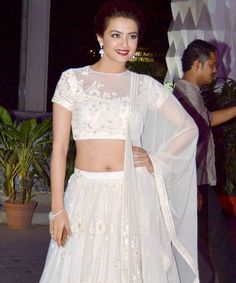 The Bachchans, Akshay Kumar, Sonakshi Sinha and a host of other Bollywood celebrities attended the wedding reception of Tulsi Kumar, the daughter of late Gulshan Kumar, in Mumbai on Monday. Young Actresses, Female Actresses, Indian Actresses, Indian Bollywood Actress, Bollywood Fashion, Amala Paul, Young Female, Bollywood Celebrities, Deepika Padukone
