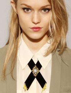 Western velvet jewel collar
