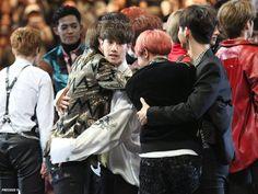 Taehyung (bts) and Mark Hoseok (bts) and Jaebum Hoseok Bts, Bts Bangtan Boy, Namjin, Jaebum Got7, Yugyeom, Romance, Best Friendship, Bts And Exo, Foto Bts