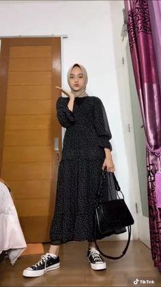 Modern Hijab Fashion, Street Hijab Fashion, Hijab Fashion Inspiration, Muslim Fashion, Fashion Outfits, Hijab Style Tutorial, Casual Hijab Outfit, Mode Hijab, Clothes