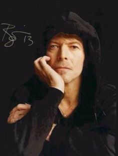 @dmvc~Love the hoodie David Bowie!