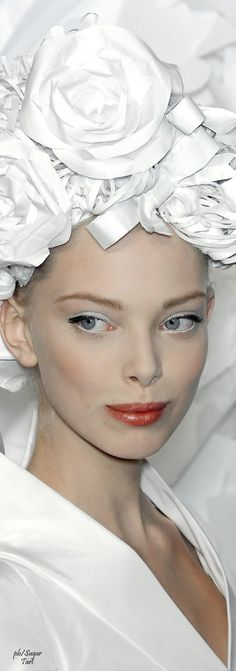 ℳiss Willow White adores all things White Poppy Pea Chanel Spring 2009 Couture