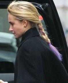 Hayden Panettiere's cool lavender hair streak