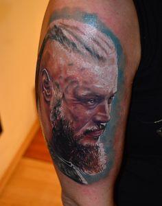 Artist: Huszár Sándor (Alex Hussar) #colourtattoo #colourportrait #tattoo #portrait  #vikings #vikingsportrait #vikingstattoo #ragnar #ragnartattoo #ragnarportrait #ragnarlothbrok #ragnarlothbroktattoo #ragnarlothbrokportrait  #viking