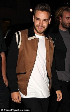 | ONE DIRECTION LOUIS TOMLINSON and LIAM PAYNE PARTY IN L.A | http://www.boybands.co.uk