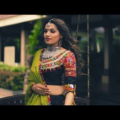 In this post, you can find many best Navratri Dress Images and Navratri Outfit. if you want to buy it or want it in rent you can check this post. Garba Dress, Navratri Dress, Choli Dress, Lehenga Blouse, Choli Blouse Design, Choli Designs, Saree Blouse Designs, Chaniya Choli Designer, Ghagra Choli