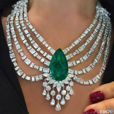 "6,808 Likes, 106 Comments - TRACEY ELLISONTHEDIAMONDSGIRL (@thediamondsgirl) on Instagram: ""SWEET DREAMS ARE MADE OF THIS!!!! For an emerald lover like me, this @mahallatijewellery emerald…"" #DiamondNecklaces"