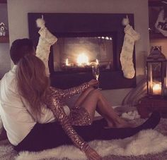 rubin-extensions.fr Romantic | couple | evening | fireplace | long hair