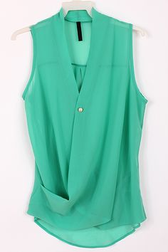 Chiffon Paris Green Top on Emma Stine Limited Green Tops, Mint Green, Yellow, Passion For Fashion, Dress To Impress, Spring Fashion, Style Me, Casual Dresses, Fashion Beauty
