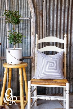Oliver and Rust: A menagerie of linen and mustard