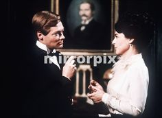 The British screen and stage actor Simon Ward has died after a long illness. Ward he gained national acclaim in 1972 for his portrayal of Churchill in Richard Attenborough's epic film Young Winston. Our picture shows: Simon Ward actor as Churchill and Anne Bancroft actress as Lady Randolph Churchill from the film Young Churchill