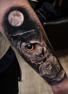 Aug 2019 - Today we're going to step again into the world of animal tattoos bringing you 50 of the most beautiful owl tattoo designs, explaining their meaning. Arm Tattoos Animal, Cool Arm Tattoos, Tribal Sleeve Tattoos, Geometric Tattoo Arm, Arm Tattoos For Guys, Leg Tattoos, Horse Tattoos, Abstract Tattoos, Celtic Tattoos