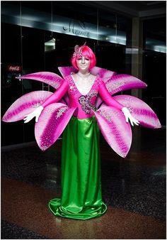 Risultati immagini per Broadway flower costume Theatre Costumes, Cool Costumes, Costume Ideas, Halloween Kostüm, Halloween Costumes, Carnaval Costume, Flower Costume, Alice In Wonderland Costume, Ballet Tutu