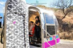 Beauty on the move! Valk Chuah Kiss N Makeup Parlour / Airstream Salon Beauty on the move! Mobile Hair Salon, Mobile Beauty Salon, Mobile Spa, Mobile Massage, Salon Business Plan, Business Ideas, Kids Salon, Business Hairstyles, Makeup Studio
