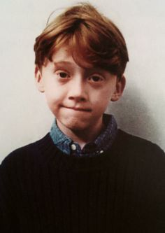 Harry Potter star Rupert Grint (Ron Weasley) turns 24 years old today. See our favorite Rupert Grint photos from his years as a movie star and more. Ron Weasley, Must Be A Weasley, Mundo Harry Potter, Harry James Potter, Harry Potter Cast, Hogwarts, Rupert Grint, Photo Portrait, Redheads