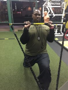 Coach BIG GAME James teaching a @trxtraining rip trainer lunge w a reverse curl.  How do u train??? #nooffseason #GITRIGHT #psalms23 #athletes #fighter #football #mma #soccer #softball #basketball #baseball @underarmour #orangecounty #losangeles #WHITTIER #speed #SANTAMONICA #strength