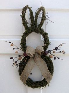 Primitive Country Easter Bunny Door Wreath, Rustic Easter craft ideas, DIY Easter craft ideas DIY Easter Crafts for Kids to Make this Holiday Season – Crafts and DIY IdeasFrühling Ostern DIY Dekoration Hoppy Easter, Easter Bunny, Easter Eggs, Easter Table, Spring Crafts, Holiday Crafts, Easter Crafts For Adults, Diy Ostern, Easter Projects