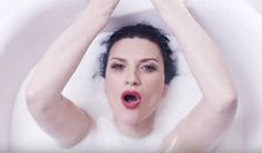 """Laura Pausini dévoile le clip de """"Ho creduto a me"""" http://xfru.it/Llzs8h"""