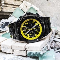 AP Carbon Bumble Bee 42mm Like New! $17200 Call or Email to Buy Audemars Piguet Watches, Casio Watch, Bee, Stuff To Buy, Accessories, Bees
