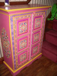 FAIR TRADE INDIAN VIBRANT HAND PAINTED WOODEN CUPBOARD on eBay!