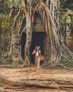 Siem Reap City Guide - All About Siem Reap & Angkor Wat, Cambodia Cambodia Beaches, Cambodia Travel, Siem Reap, Cool Places To Visit, Places To Travel, Travel Destinations, Angkor Wat Cambodia, Phnom Penh, Koh Tao
