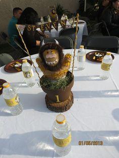 Party table at a Where the Wild Things Are Party #wildthings #partytable