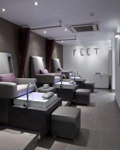 Gentlemans Butler: Luxury grooming: Espa Life at the Corinthia: Pedicure stations