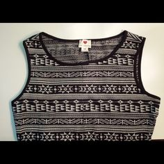 bOgOBlack & White Bodycon Sweater like material. Pair it with a black cardigan!               •No Trades• Dresses