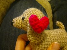 Crochet Amigurumi Puppy Dachshund Doxie with Heart - free pattern and photo's. Thanks so for this cutey xox