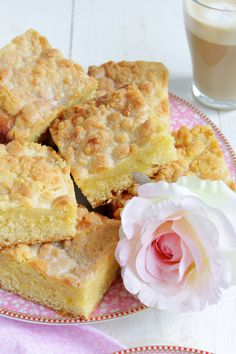 Saftiger Streuselkuchen (Food with Love – Thermomix Rezepte mit Herz) Easy Cookie Recipes, Sweet Recipes, Baking Recipes, Cake Recipes, Low Fat Cake, Easy Vanilla Cake Recipe, Thermomix Desserts, Gateaux Cake, Different Cakes