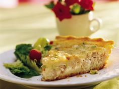 Easy Cheese and Bacon Quiche --I substituted frozen pie crust for bisquick and it turned out great!