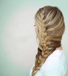 Peinados con trenzas de espiga de lado