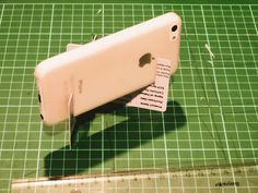 DIY Smartphone Tripod the size of a credit card