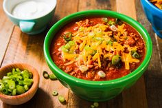 52 Copy Cat Recipes That Taste Like The Real Thing.by Delish Wendy's Chili - vertical Chili Recipes, Copycat Recipes, Mexican Food Recipes, New Recipes, Dinner Recipes, Cooking Recipes, Ethnic Recipes, Favorite Recipes, Dinner Ideas