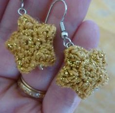 "Twinkle Star Earrings - free CROCHET pattern - ""intermediate"" - What a Christmas gift this would make"""